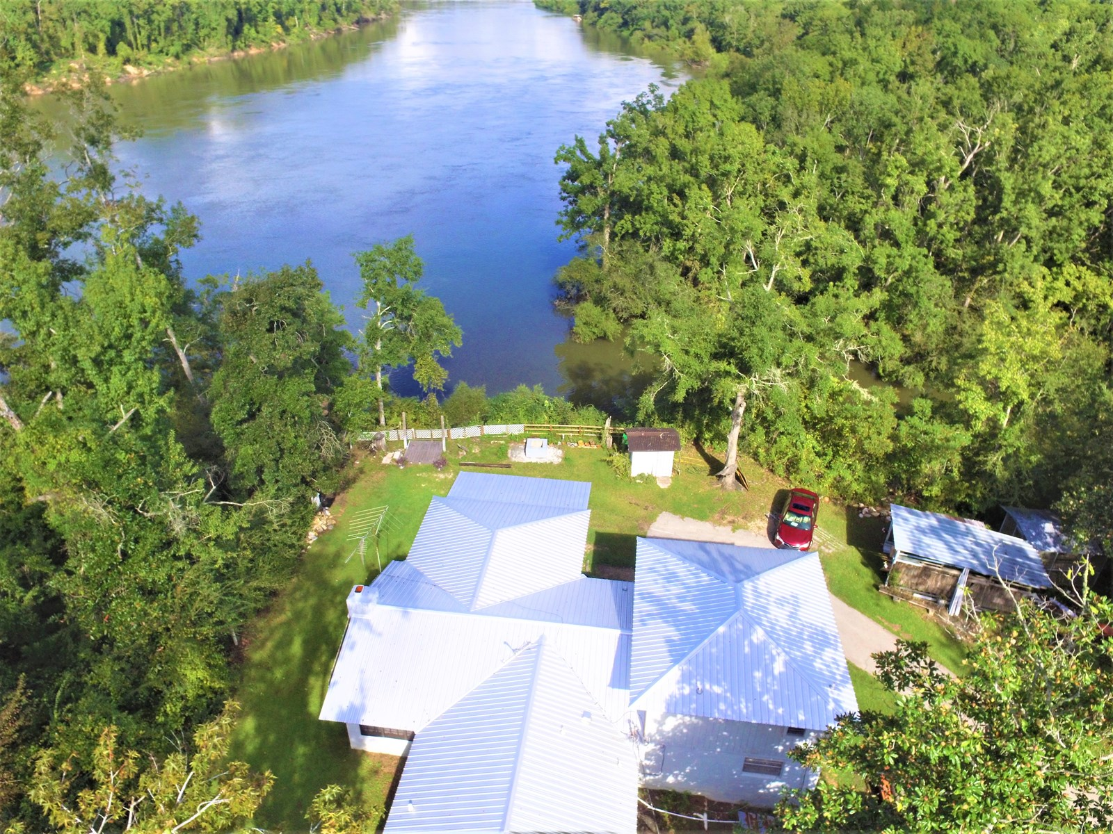 River front home in Bristol Florida