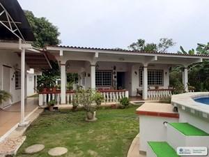 BEACH HOUSE WITH GUEST HOUSE IN GORGONA CLOSE TO CORONADO