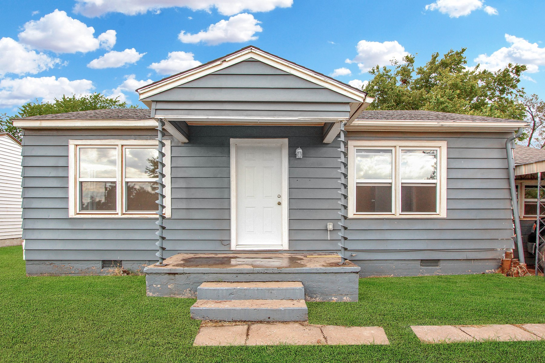 Fully remodeled home located in Elk City