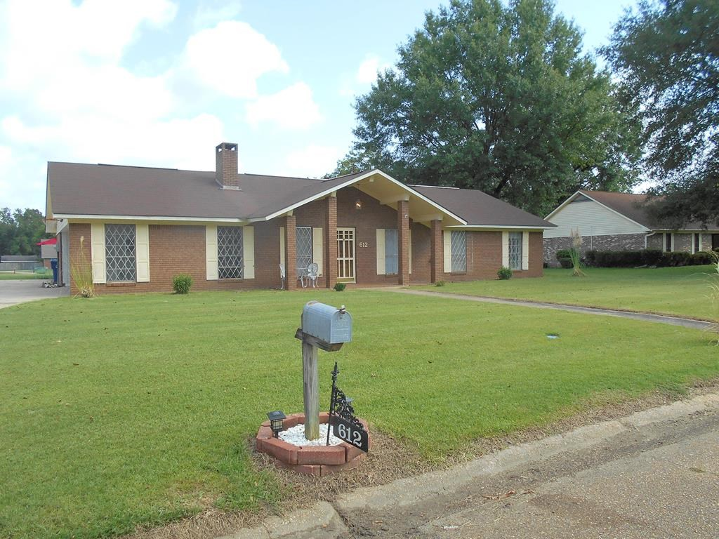 Traditional Home For Sale in Town Brookhaven Mississippi