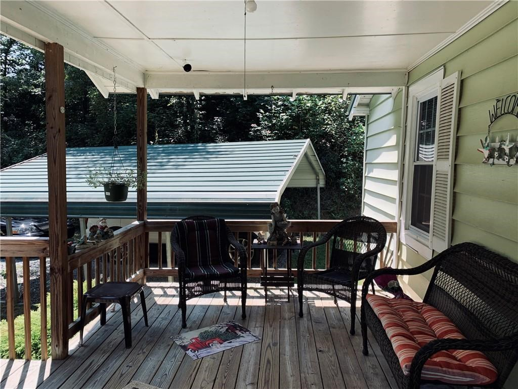 Home in Town for Sale in Ellijay