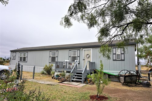 COZY MOBILE HOME FOR SALE IN FORT STOCKTON, TX