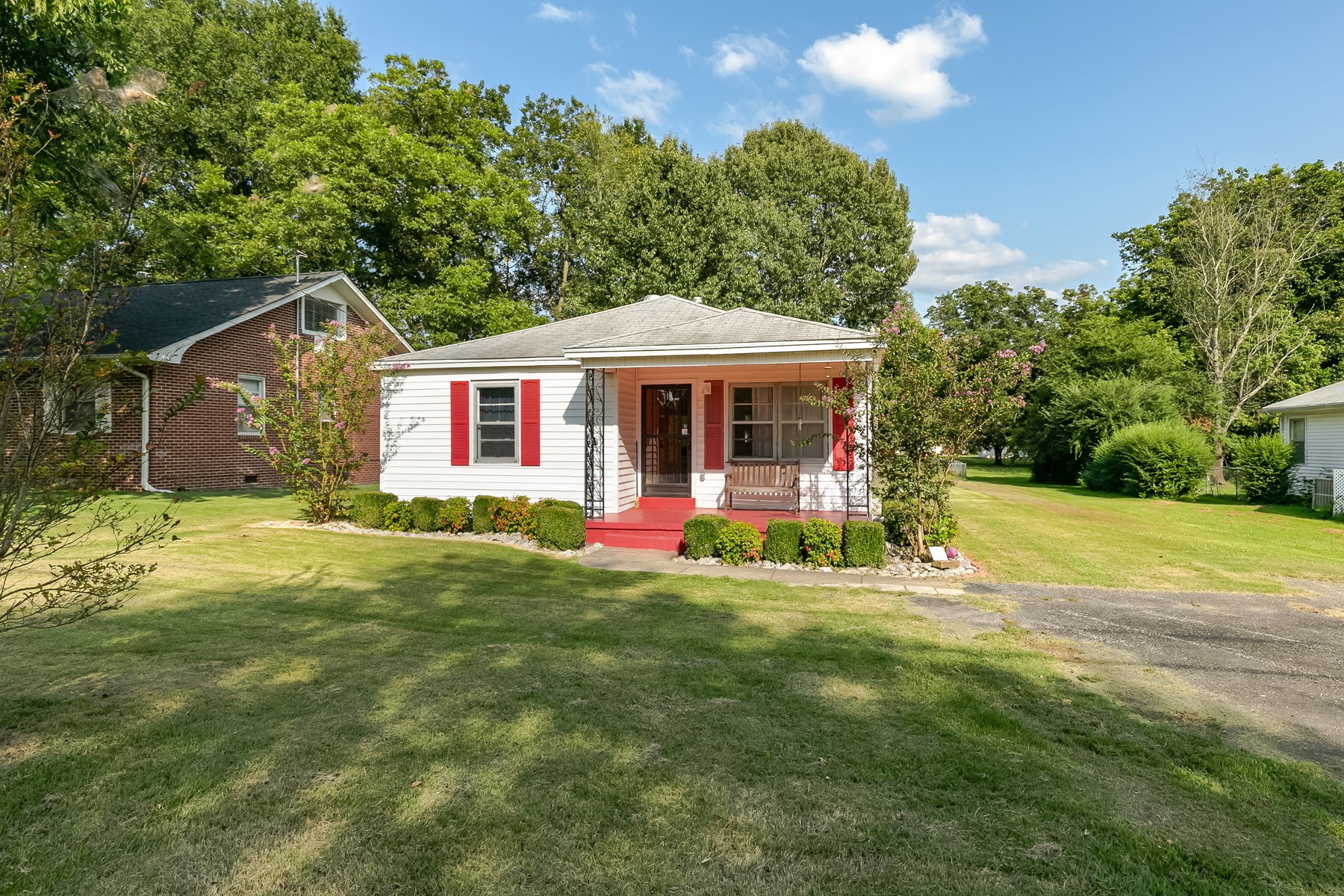Small Home for Sale in Town - Remodeled - Move In Ready - TN