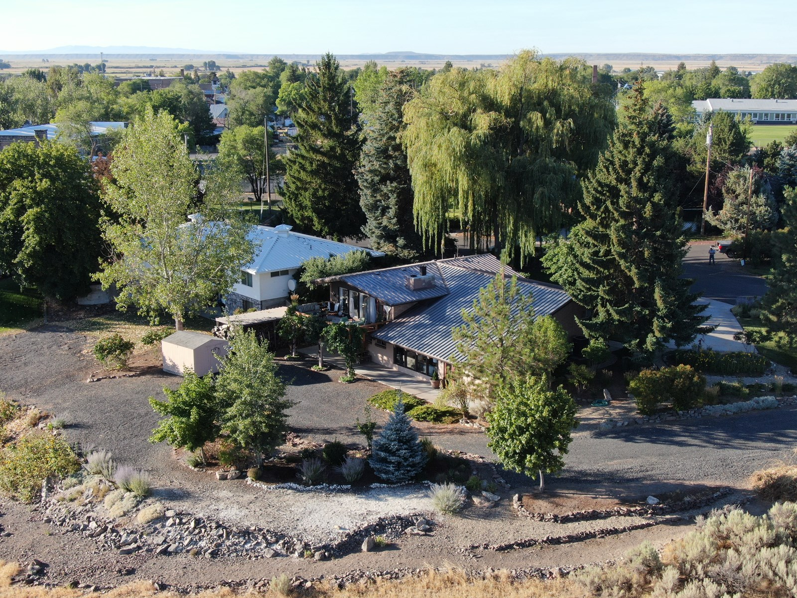 CUSTOM 4 BDRM HOME - ON HILL IN BURNS - GREAT VIEWS!!