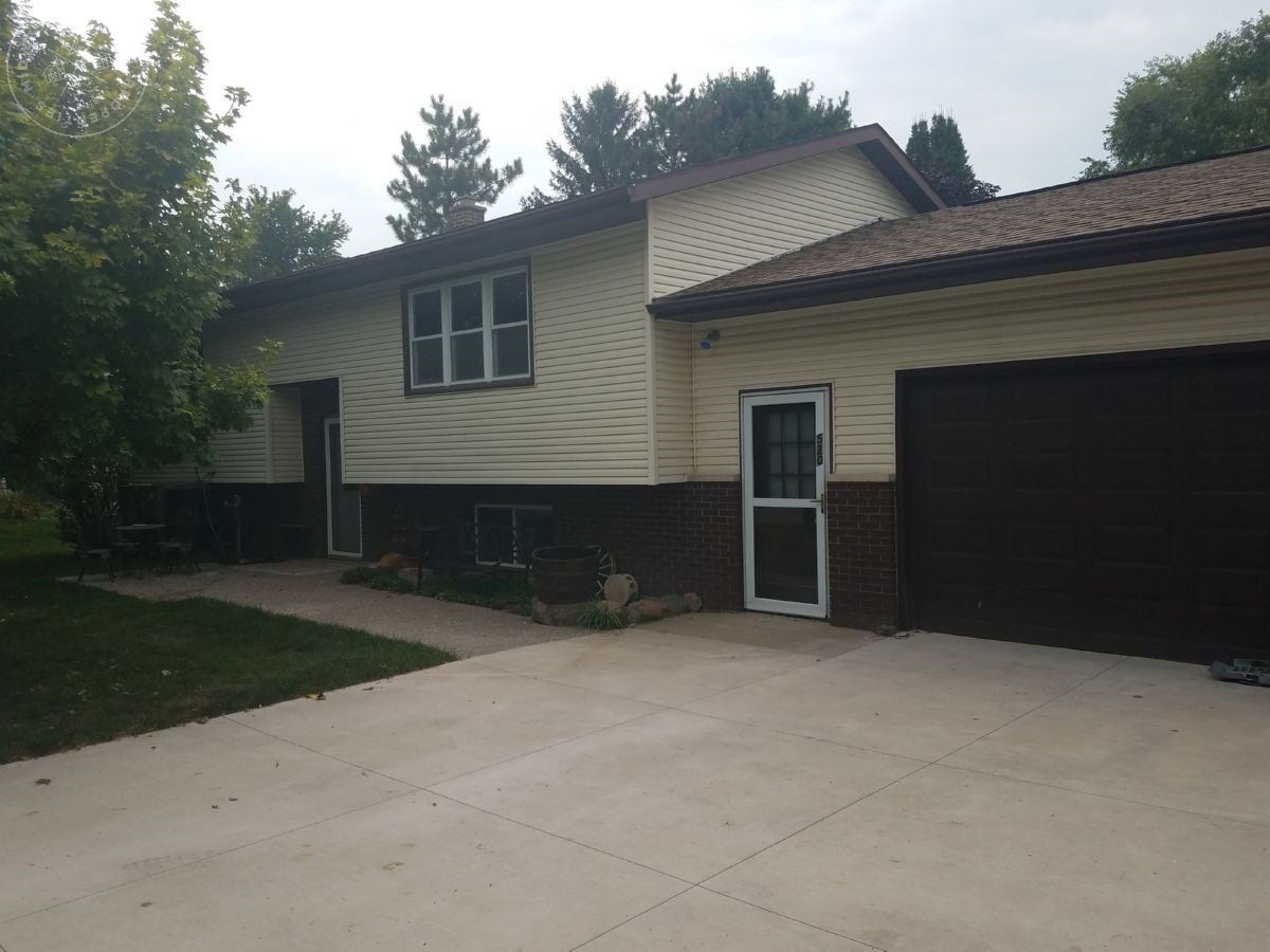 Conveniently Located West Salem, Wisconsin Home