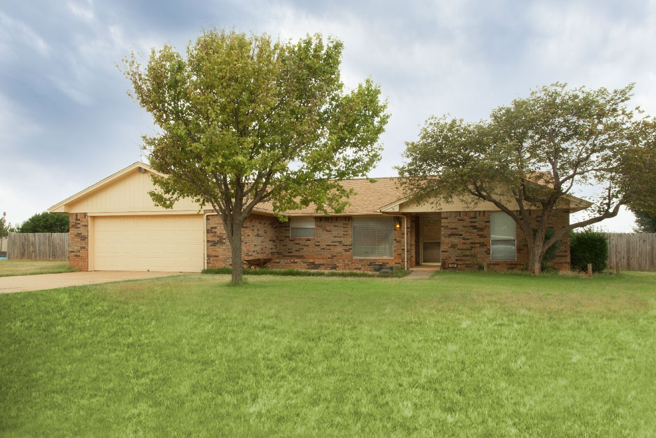 Country Home for Sale, Clinton, OK, Custer County