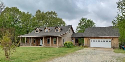 Country Home For Sale in Jonesboro, AR