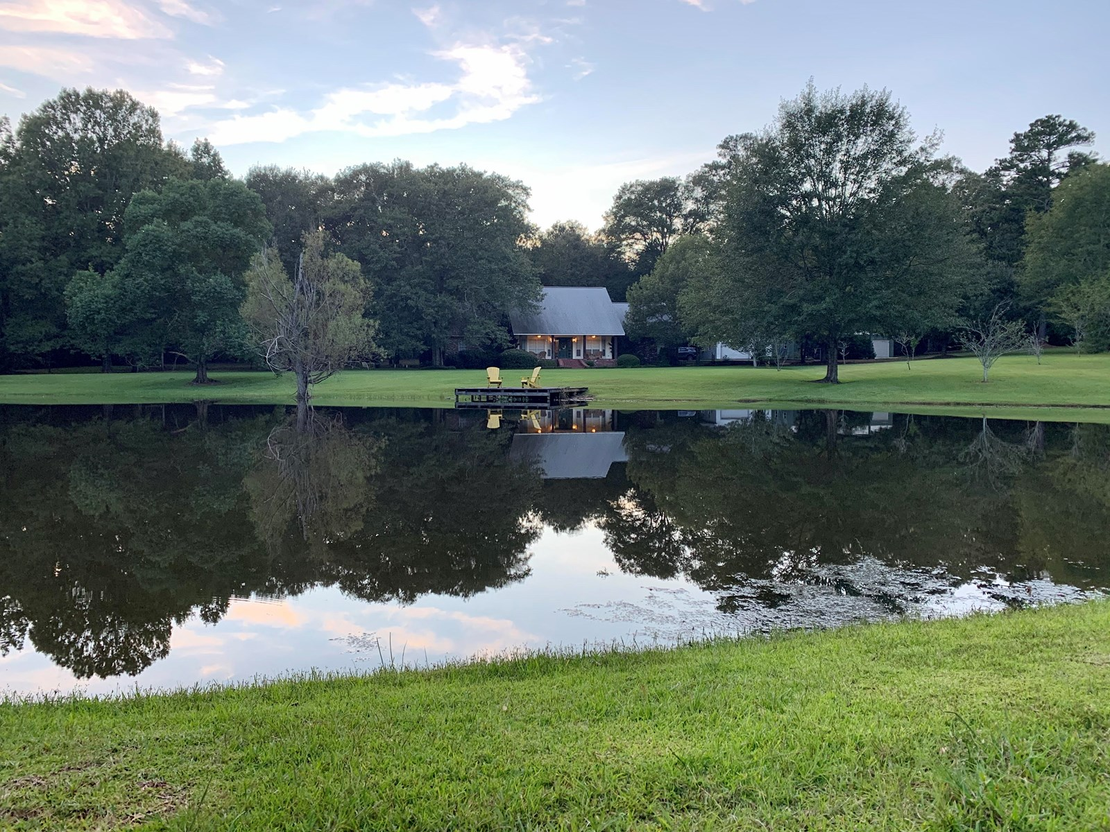 Home in Country, Pond, Shop, Acreage