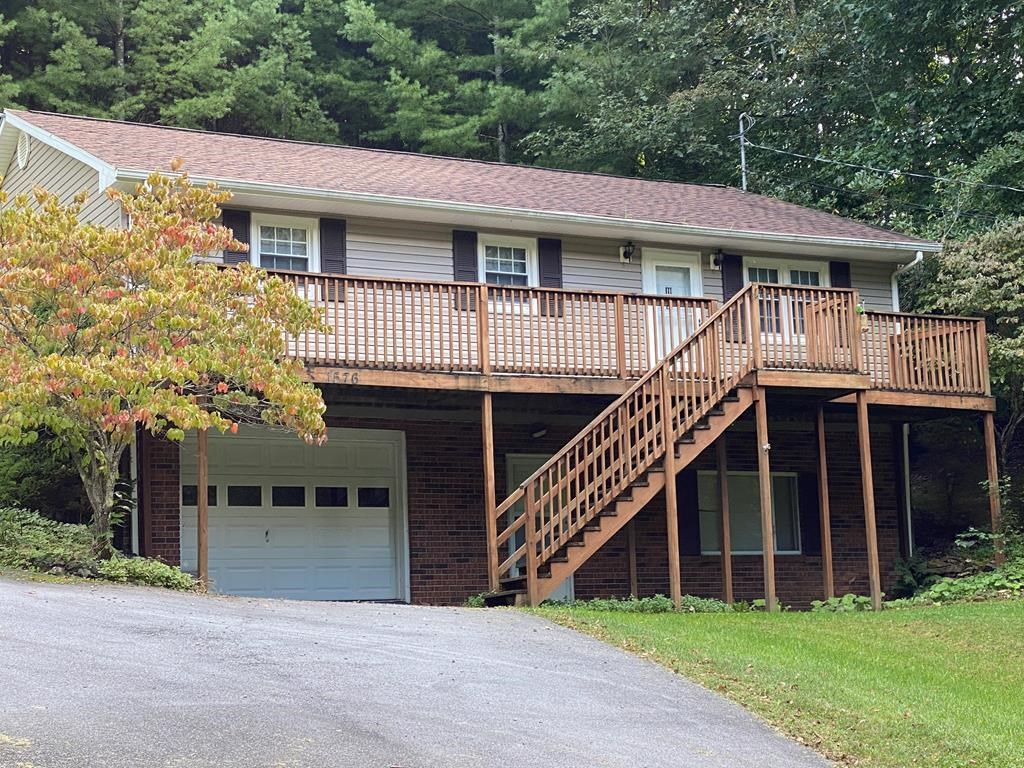 3 BR 1 BA Home w/ Garage Whitley Branch Road North Tazewell