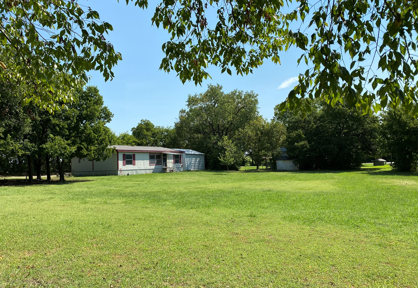 COUNTRY HOME ON 1 1/2 ACRES IN SPRINGER, OK