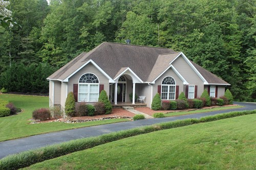 BEAUTIFUL RANCH STYLE HOME LOCATED IN PATRICK COUNTY, VA
