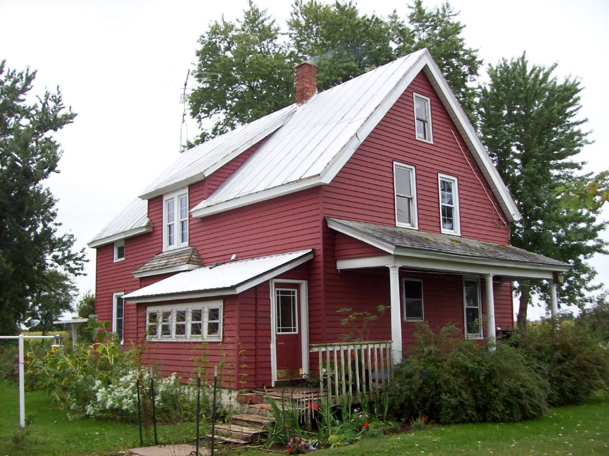 Amish Country Home in Green Lake County WI