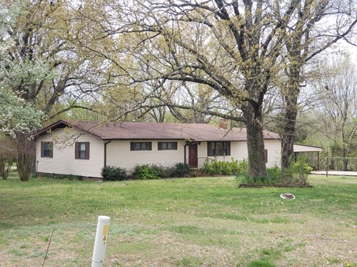 Country Home For Sale in Southesst Missouri