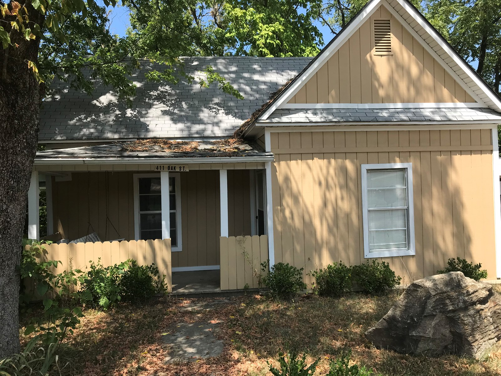 Small Cottage For Sale in Historic Leslie, Arkansas