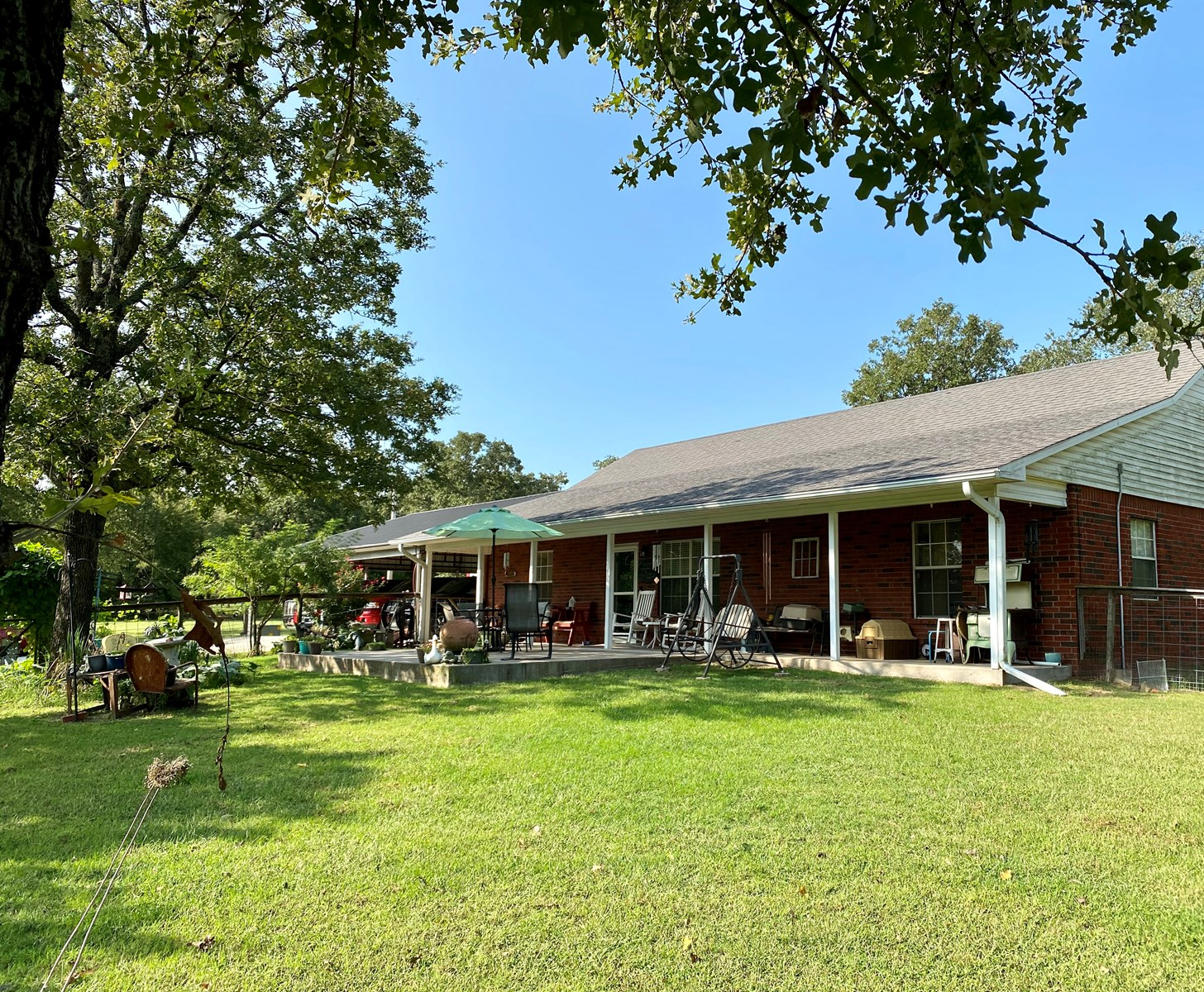 PRIVATE SOUTHERN OKLAHOMA COUNTRY HOME W/ SHOP & CREEK