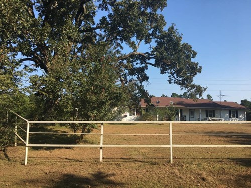 Beautiful Home/ 2 Shops/ 2 Ponds/ 35 Acres m/l