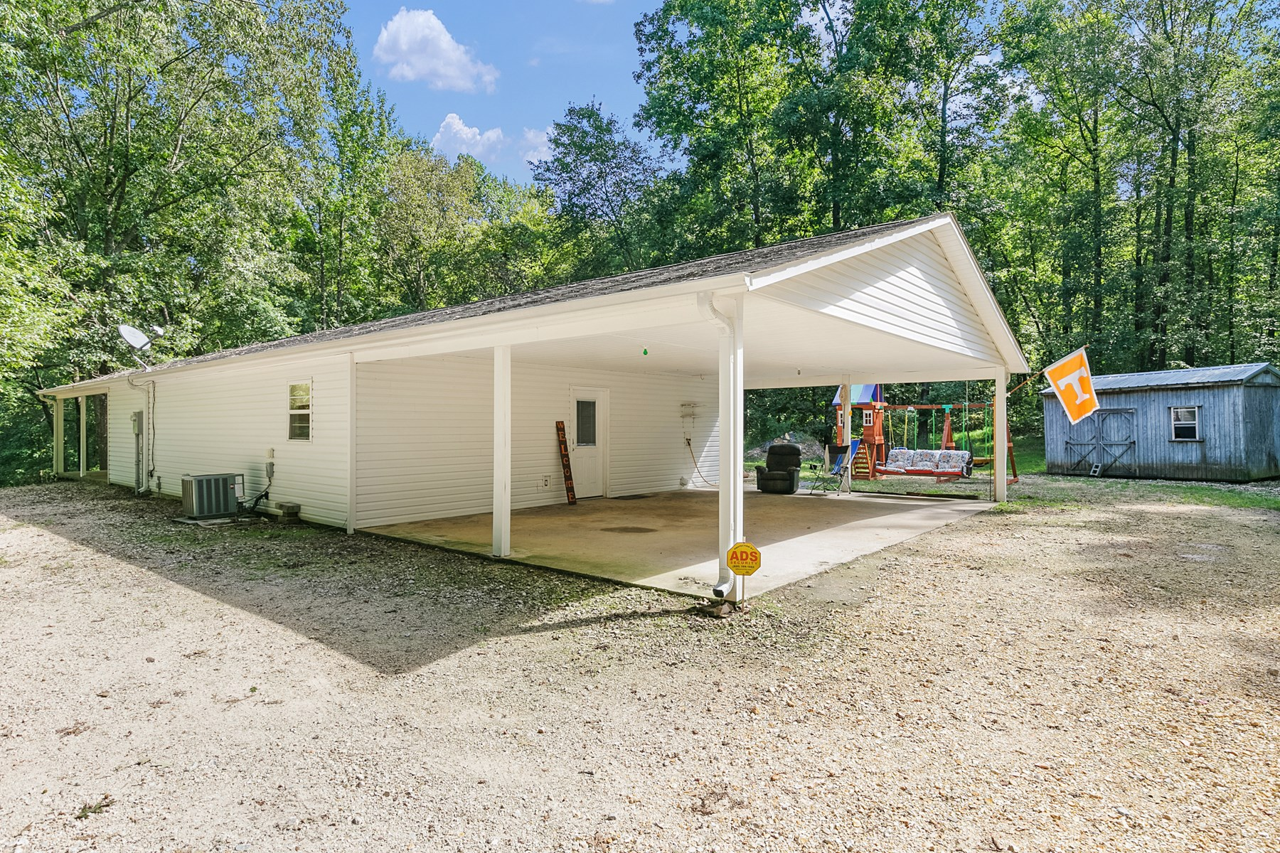 Country Home for Sale on 2.75 Acres - Milan School District
