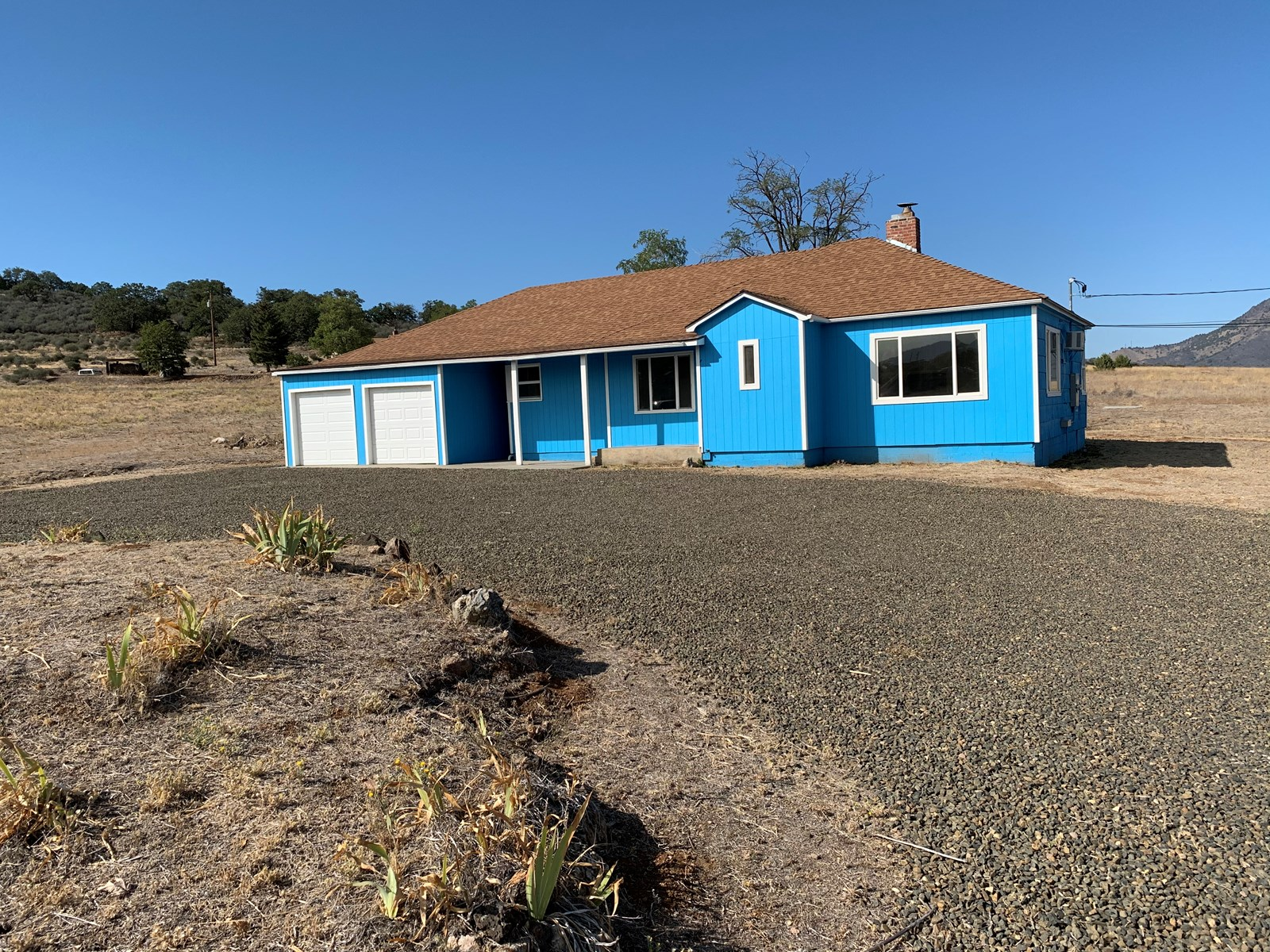 Home For Sale in Yreka, CA