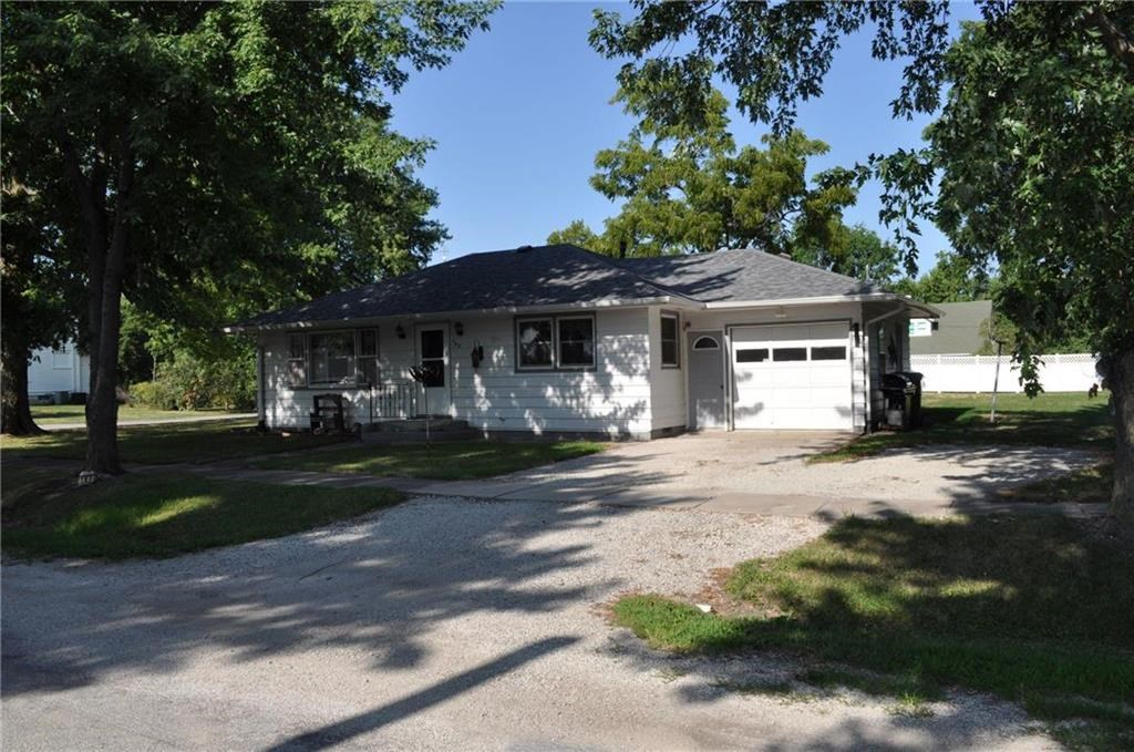 2 Bedroom Home on Spacious, Corner Lot. Recently Upddated