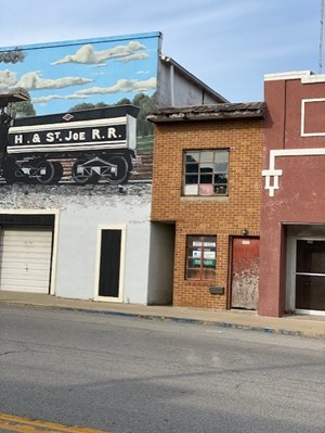 OFFICE BUILDING FOR SALE CAMERON MO