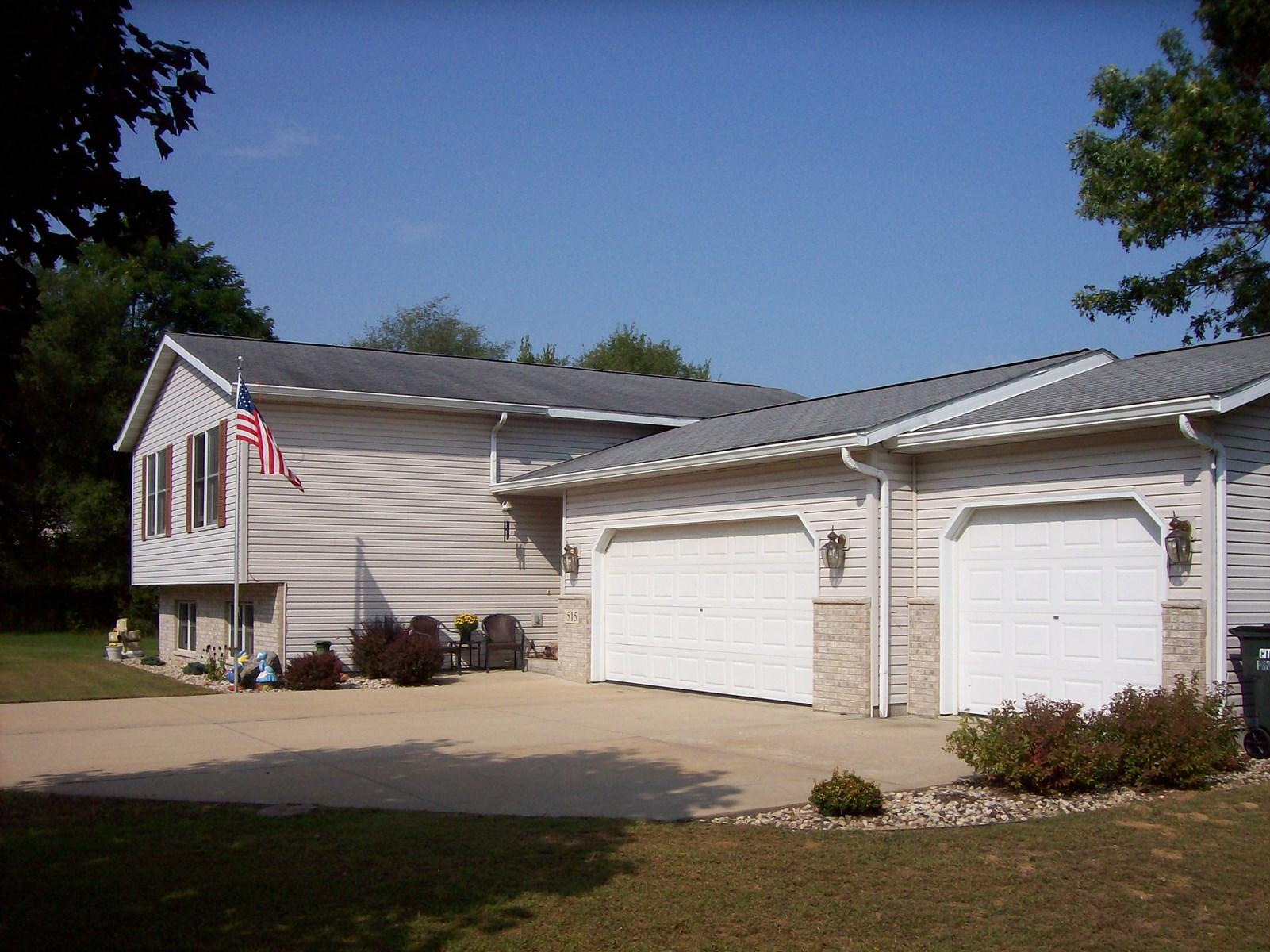 Move in Ready Home close to schools Portage, WI