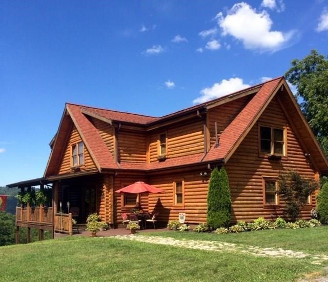 Custom Built Log Home for Sale in Richlands VA!