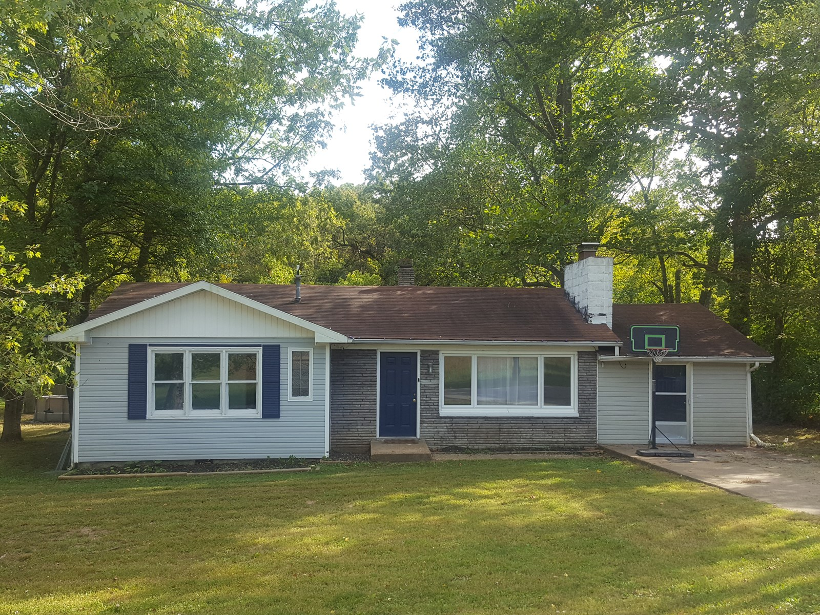 House for Sale in South Central Missouri Ozarks Small Town