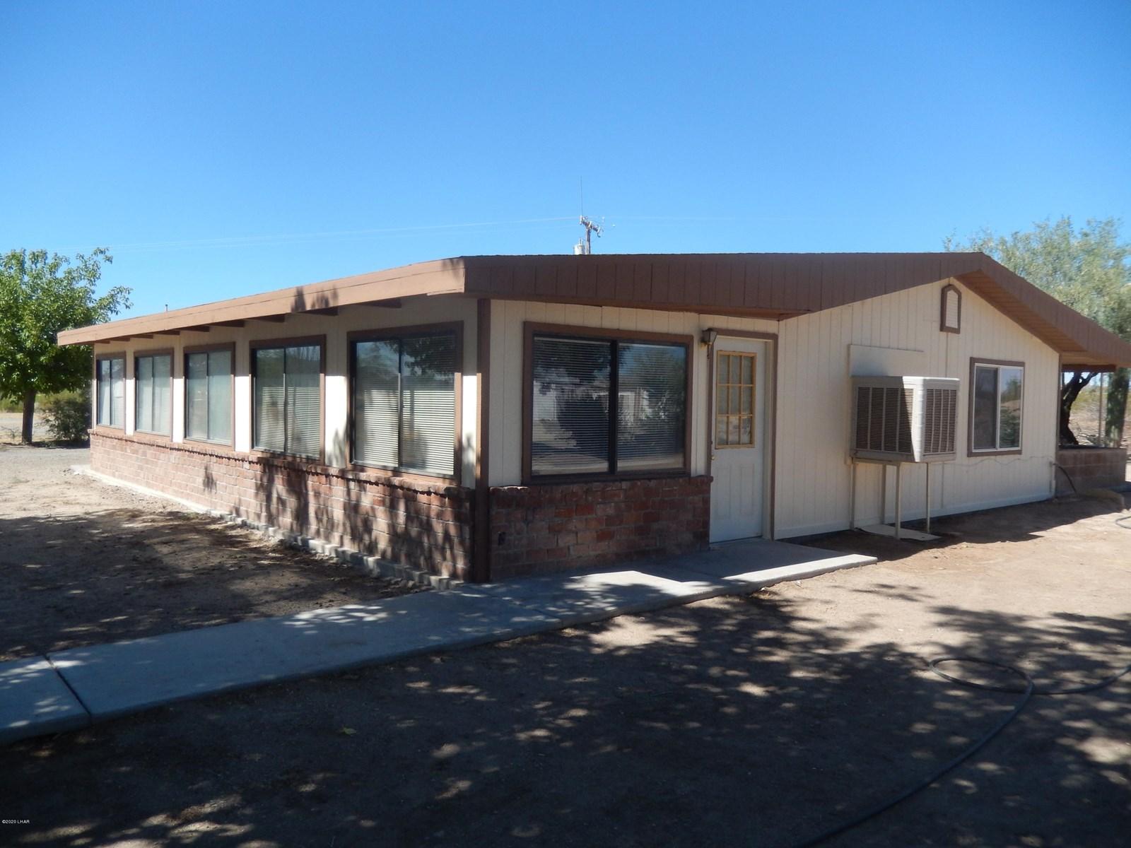 Salome, AZ Home on 3 Acres