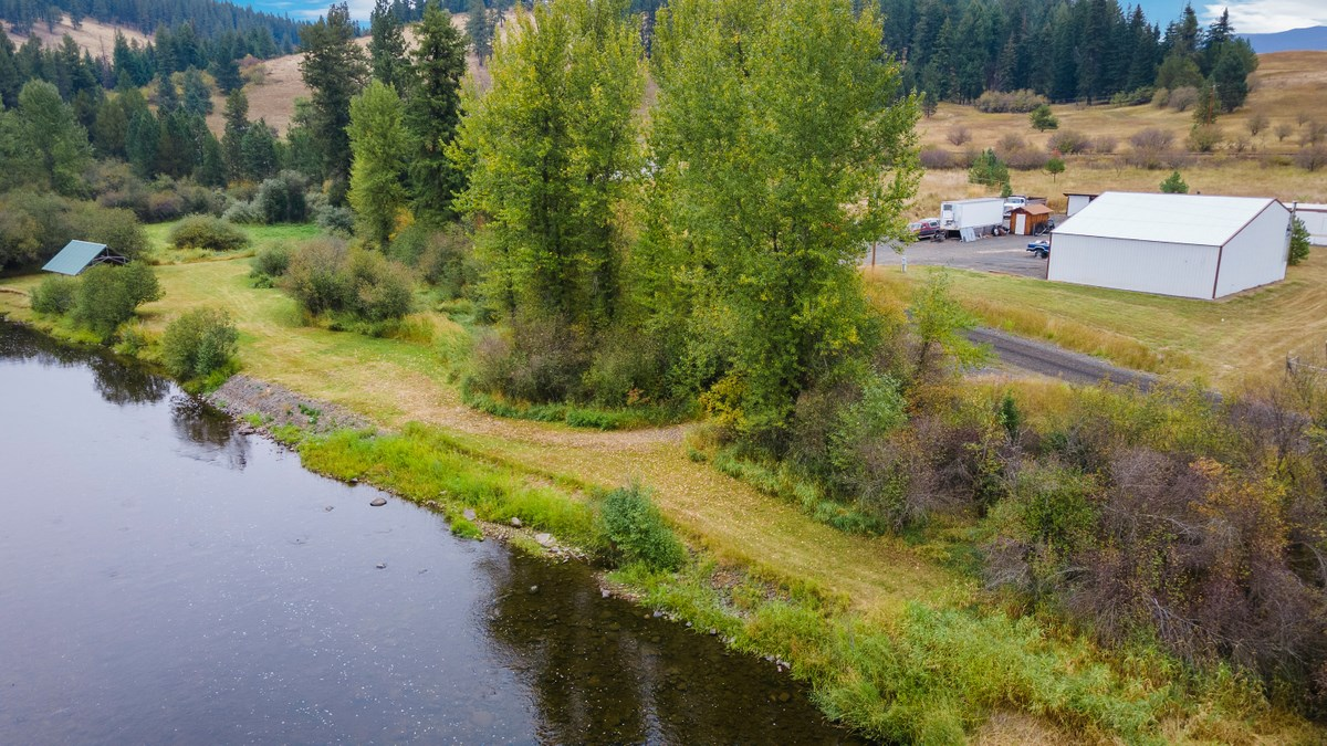 Live The Dream On Acreage In Santa Idaho