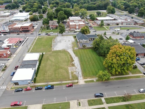 Commercial lot for sale in downtown Franklin, Ky.