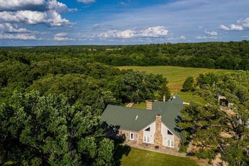 Oak Creek Whitetail Ranch & Hunting Retreat Osage Co MO