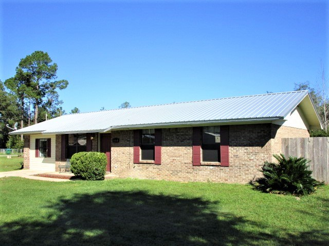 Nice all brick home on two lots in Bristol Florida