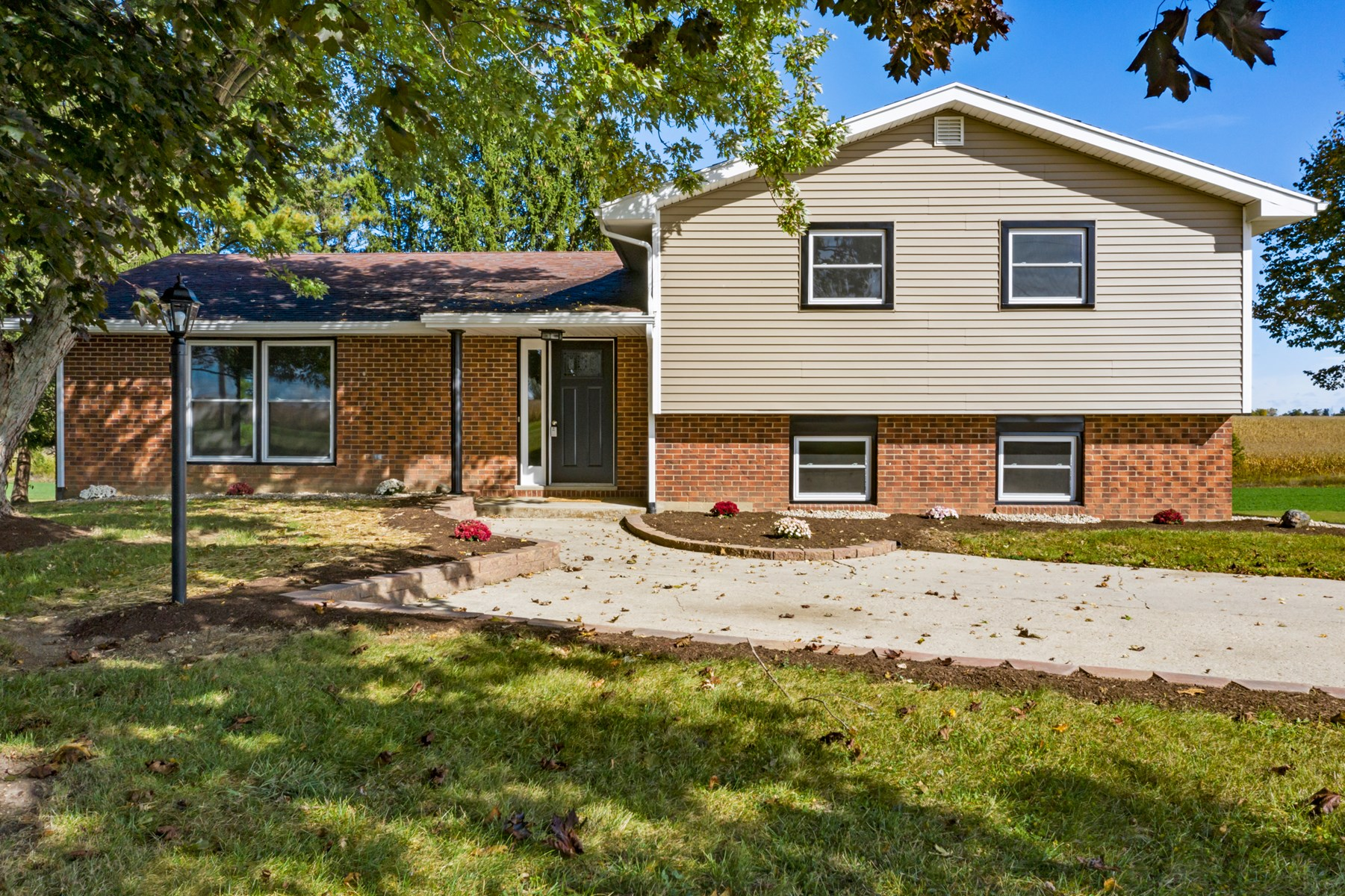 Country Home for Sale Lynn, Indiana