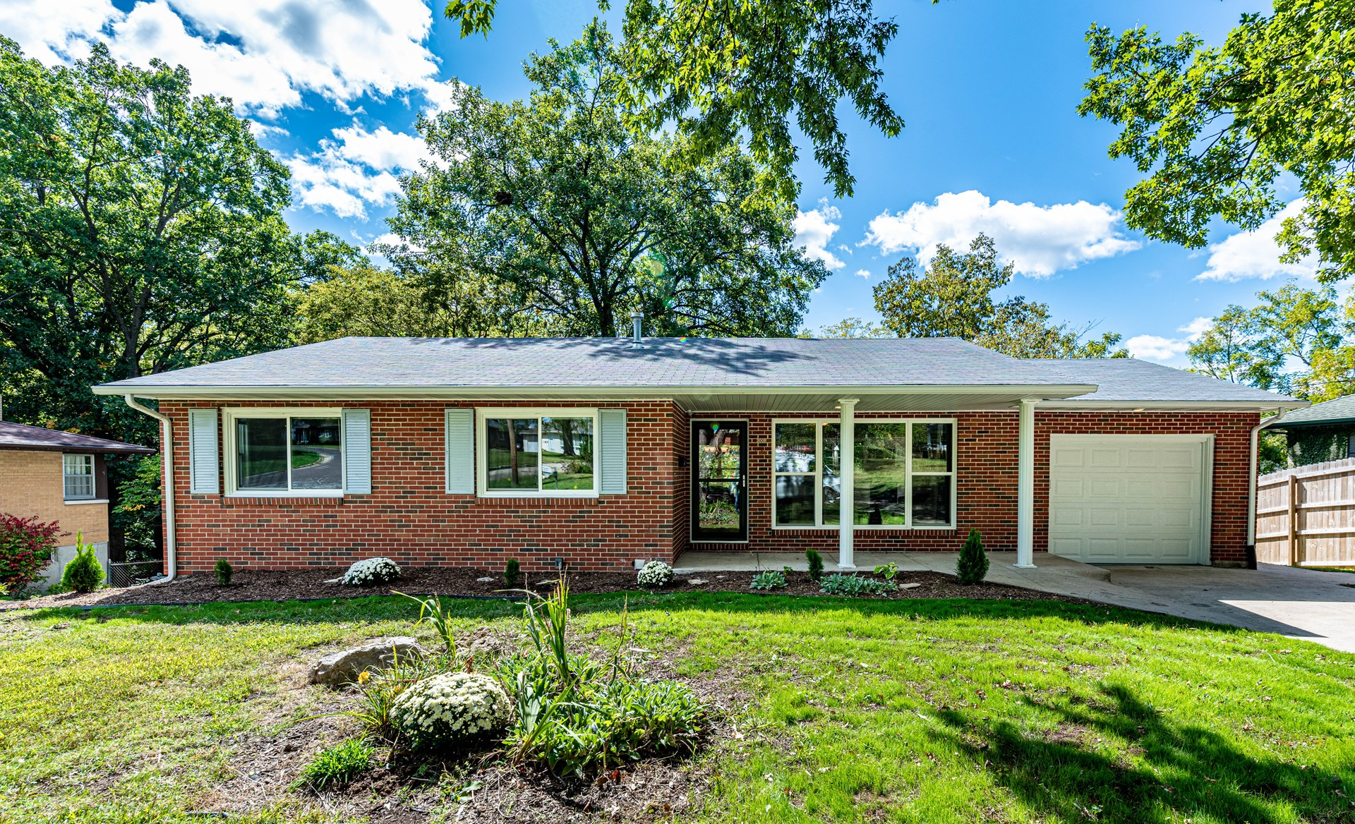 Completely Renovated 4 BR, 2 BA Walkout Ranch in Columbia MO