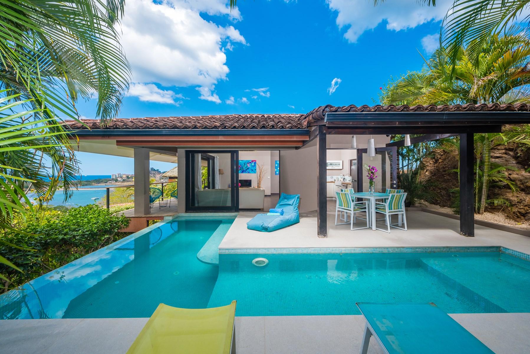 Casa Cielo, Colores de Pacifico