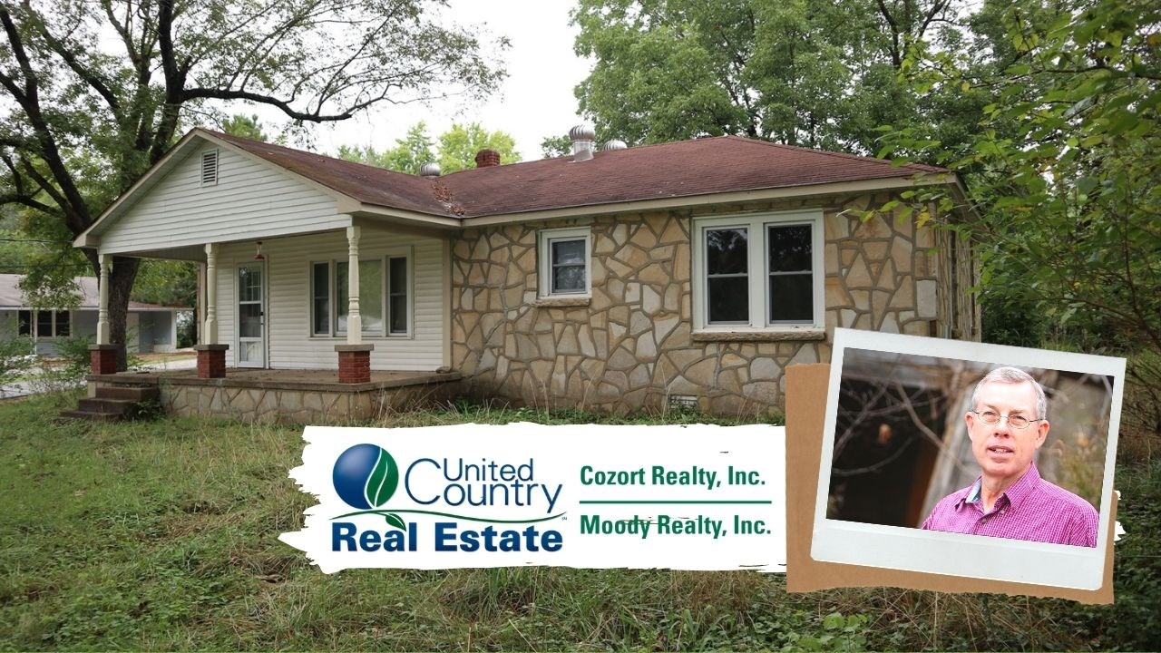 In Town Home for Sale in Salem Arkansas