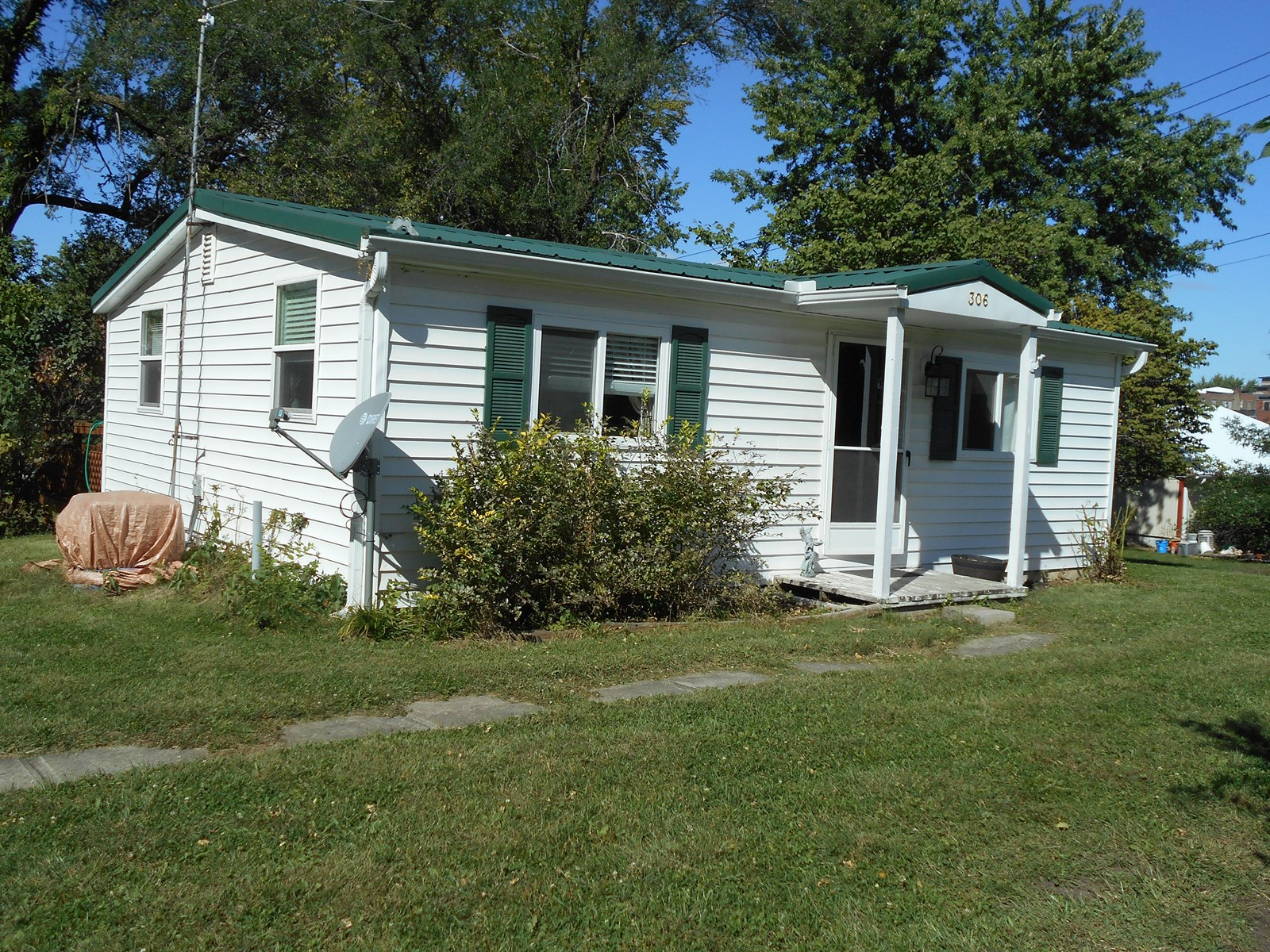 1BEDROOM (COULD BE 2) MAYSVILLE MO RANCH FOR SALE