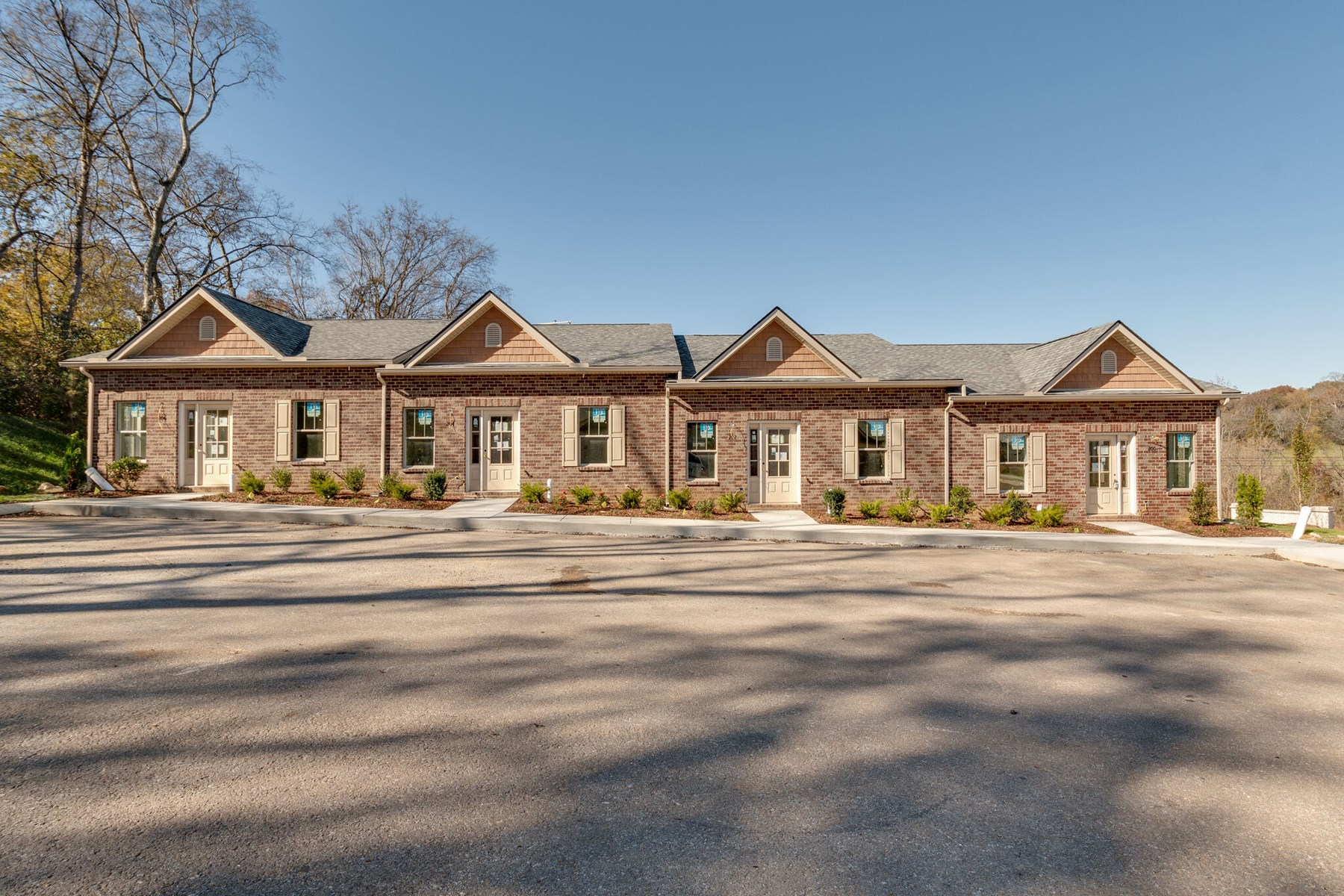 Zero-Lot Line Homes in Town for Sale in Columbia, Tennessee