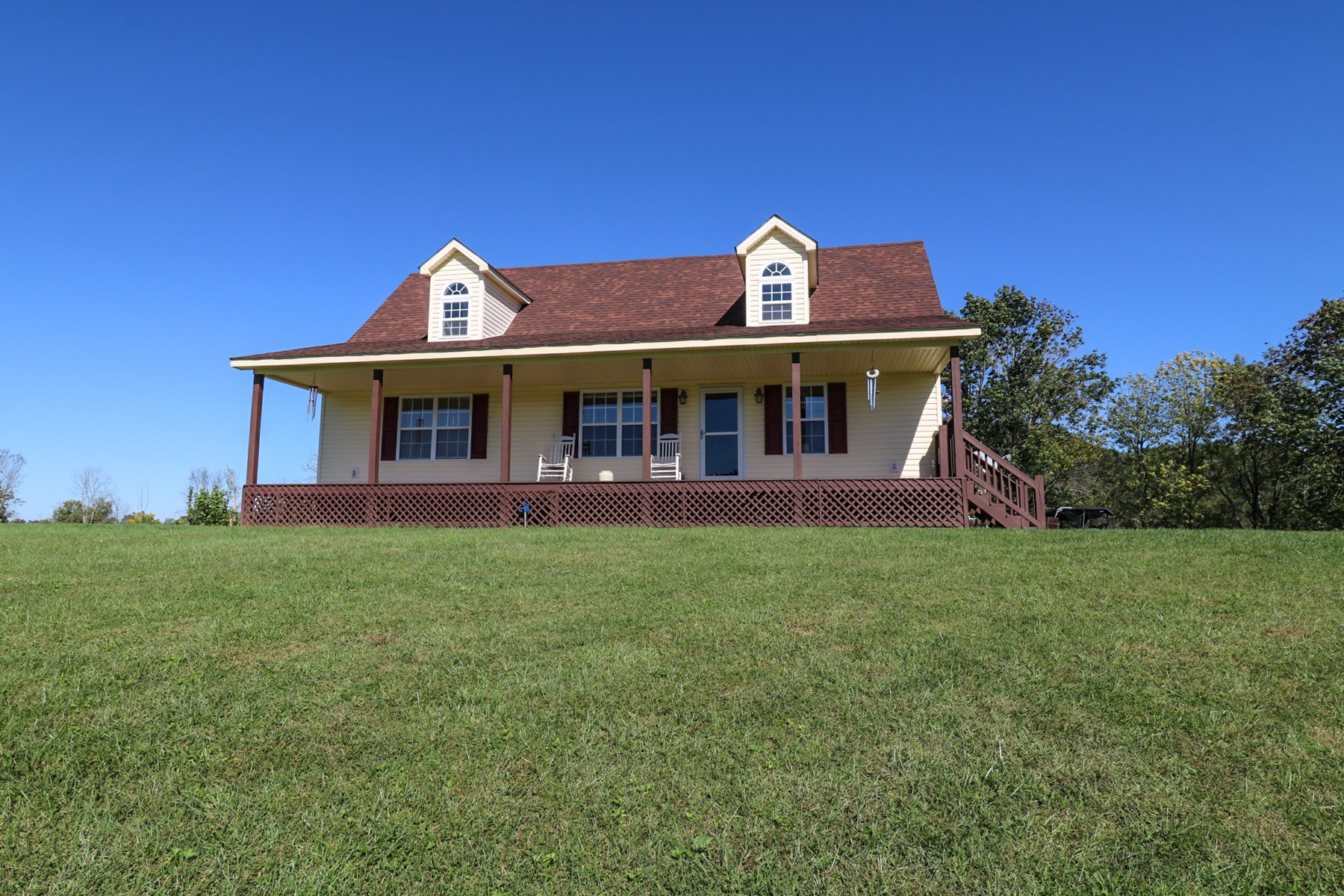 Kentucky Country home for sale w/ barn and 45+ acres