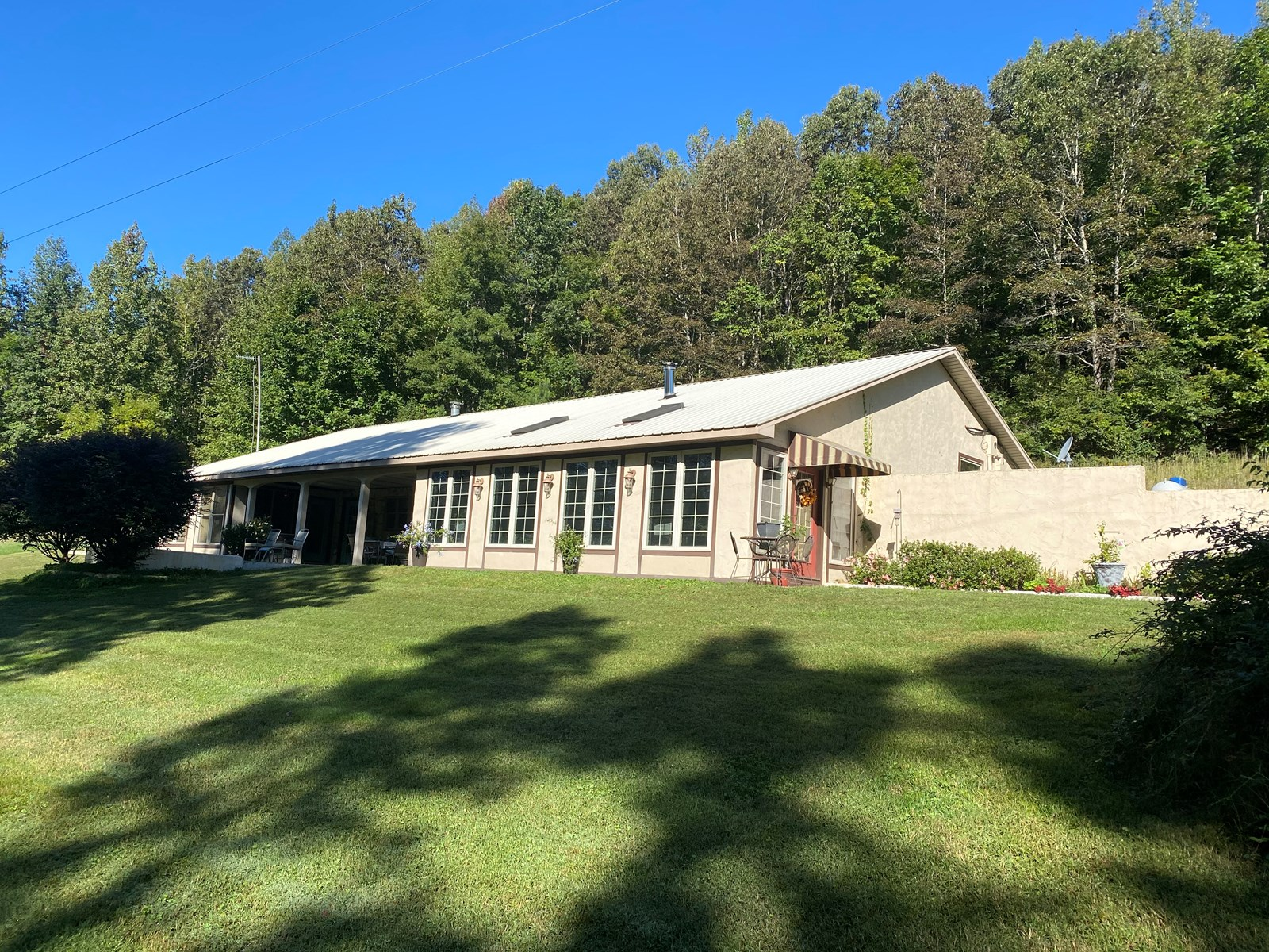 FARM FOR SALE IN TENNESSEE WITH HOUSE, CABIN, SHOPS, CREEK