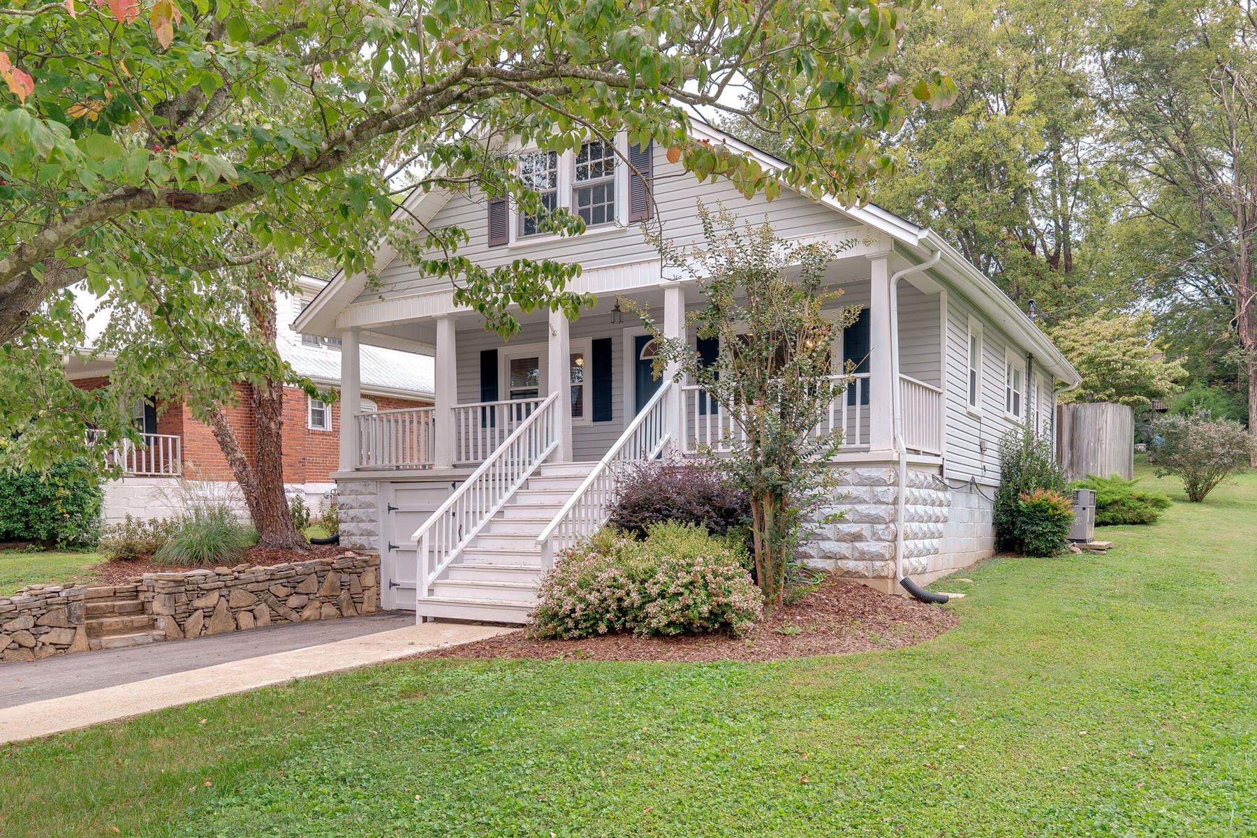 Completely Renovated Home in Town for Sale, in Columbia, TN