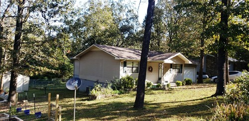 Country Home on 2 lots in Horsehoe Bend, Arkansas