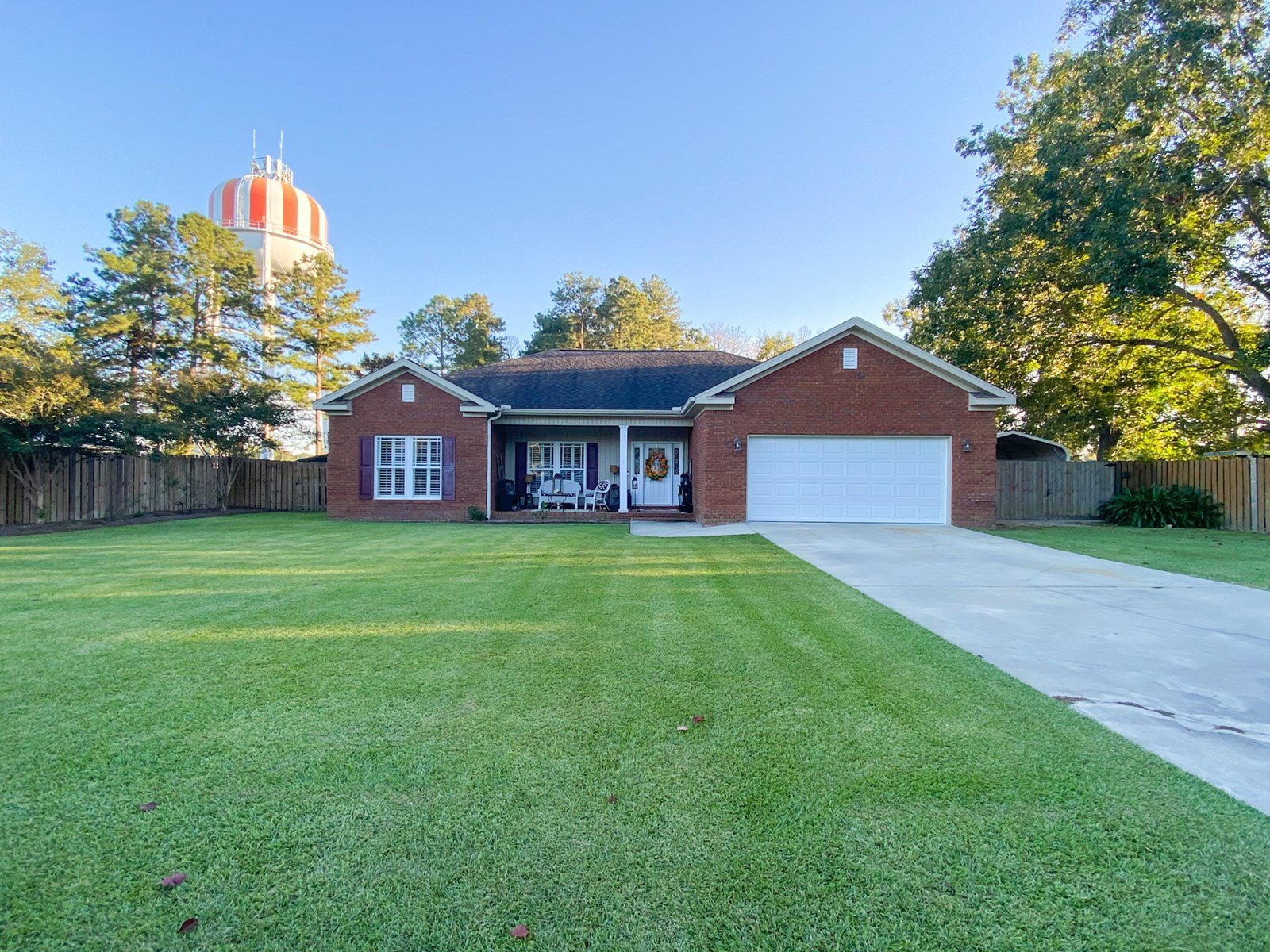Home for Sale Geneva AL- Outdoor Entertaining  Area w/ Pool