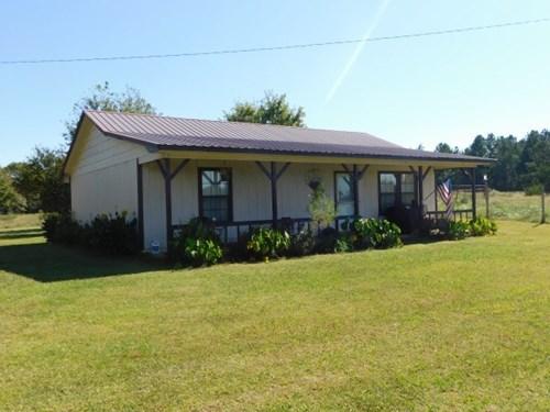 OKLAHOMA COUNTRY FARM HOME WITH ACREAGE