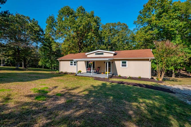 Country Home For Sale in Fairview Tennessee