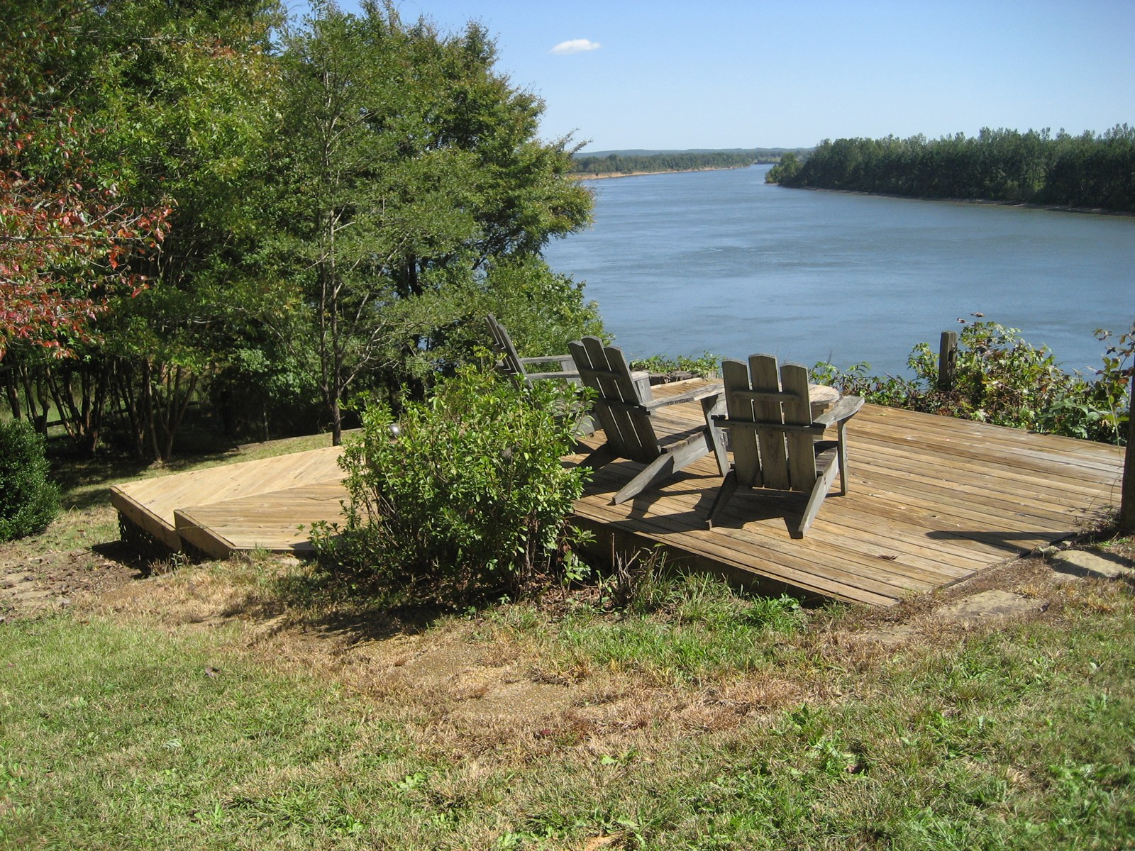 WATERFRONT HOME FOR SALE – RIVERFRONT CABIN STYLE HOME