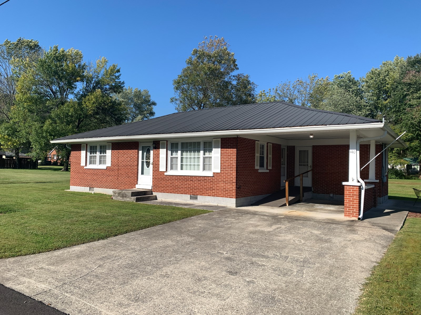 BRICK HOME IN TOWN-MOVE IN READY-CITY UTILITIES-LIBERTY, KY.
