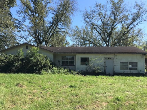FIXER UPPER - BEAUTIFUL ACREAGE