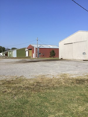 COMMERCIAL PROPERTY FOR SALE IN PRYOR, OKLA