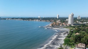 BEACH FRONT APARTMENT FOR SALE OR RENT IN PLAYA SERENA